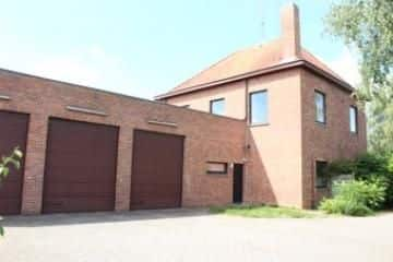 Detached house<span>377</span>m² for rent