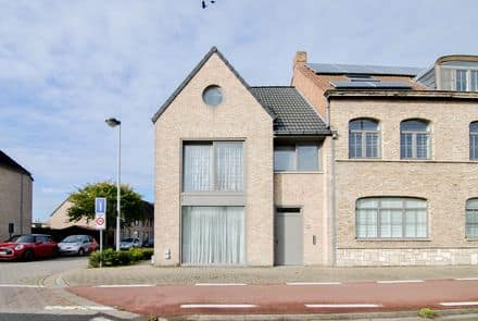House<span>155</span>m² for rent Sint Michiels