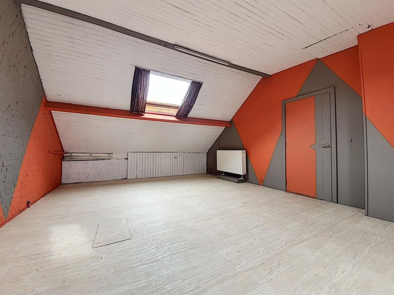 House for sale in Luingne