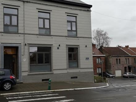 Investment property<span>249</span>m² for rent Courcelles