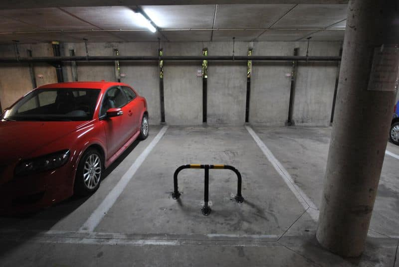 Parking space or garage for sale in Jette