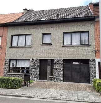 House<span>204</span>m² for rent