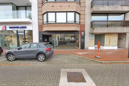 Business<span>175</span>m² for rent