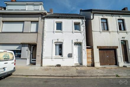 House<span>98</span>m² for rent Waremme