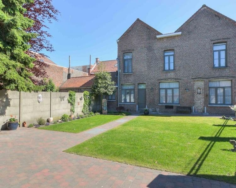 Mansion for sale in Hamme