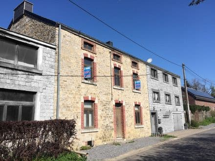 House<span>327</span>m² for rent Durbuy