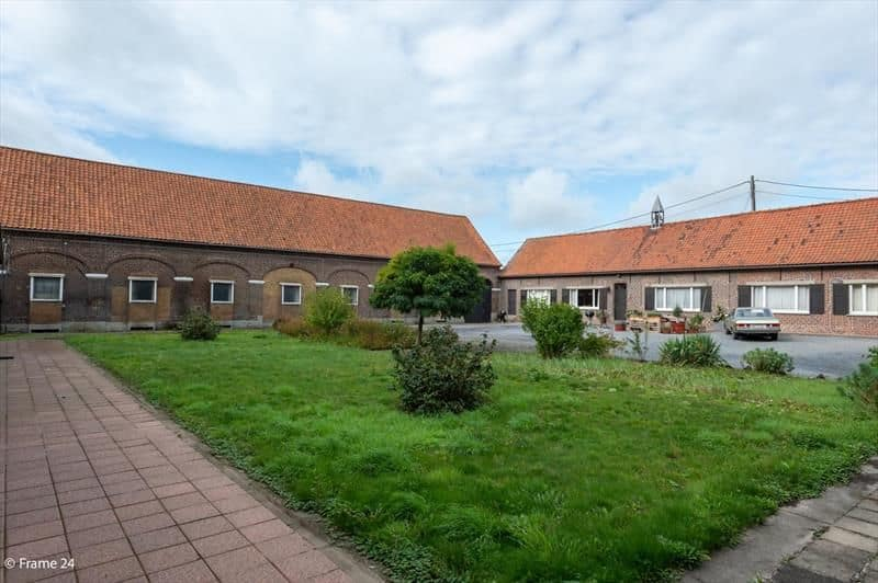 House for sale in Elsegem