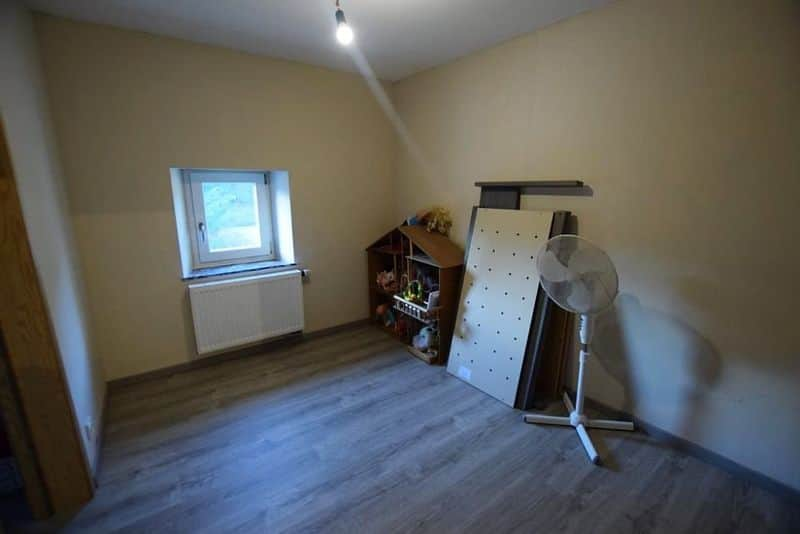 House for sale in Seilles