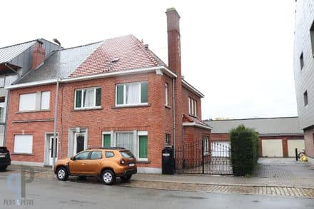 House<span>252</span>m² for rent