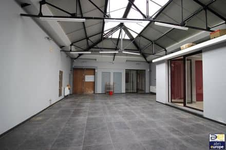 Office or business<span>330</span>m² for rent Ukkel