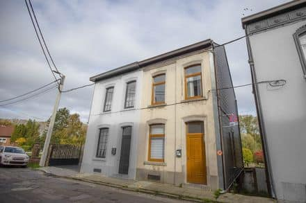 House<span>90</span>m² for rent Fontaine L Eveque