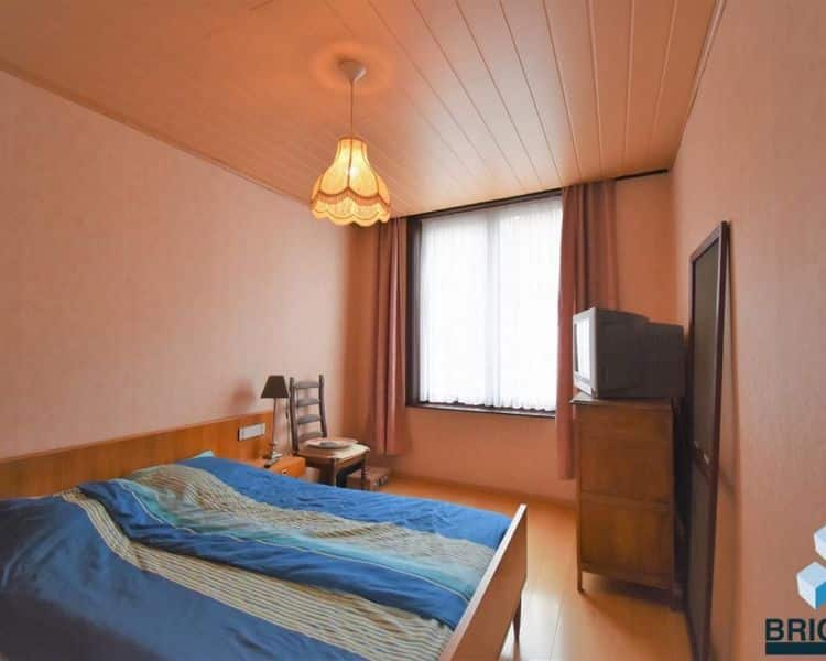 House for sale in Gistel