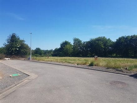 Land<span>806</span>m² for rent Ohey