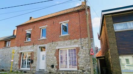 House<span>103</span>m² for rent Merbes Le Chateau
