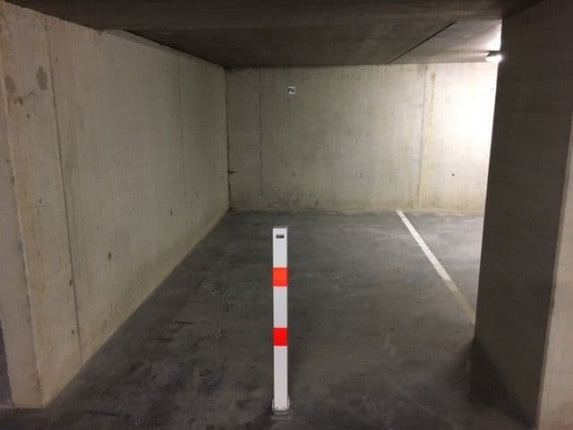 Parking space or garage for rent in Diksmuide