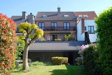 House<span>412</span>m² for rent Dilbeek