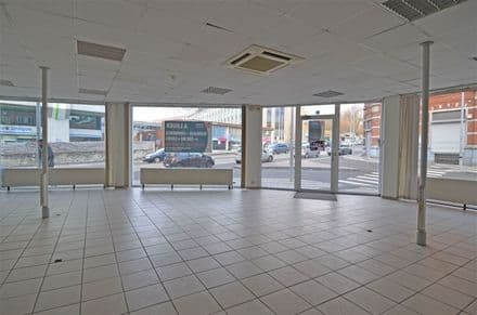 Office or business<span>500</span>m² for rent