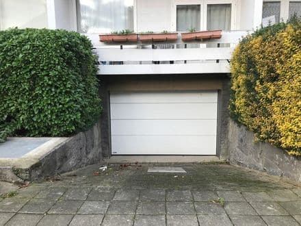 Parking space or garage<span>147</span>m² for rent