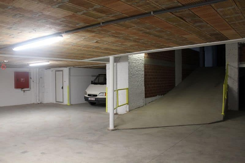 Garage for sale in Ostend
