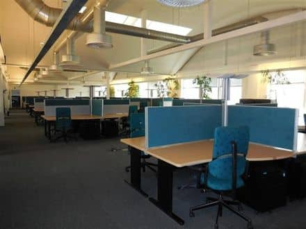 Office<span>32</span>m² for rent