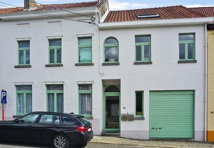House<span>387</span>m² for rent