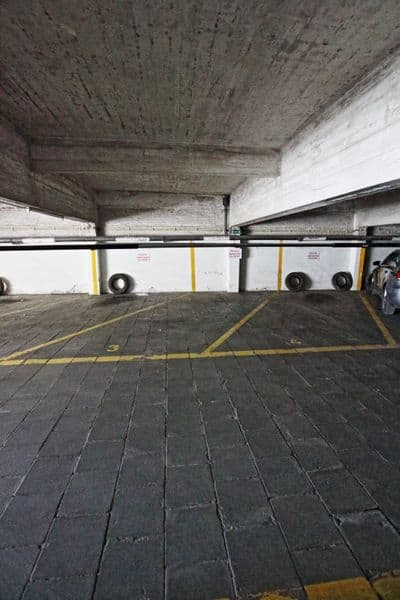 Parking space or garage for rent in Elsene