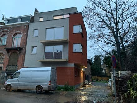 Investment property<span>450</span>m² for rent Anderlecht