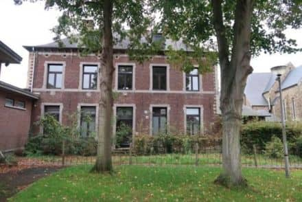 House<span>391</span>m² for rent