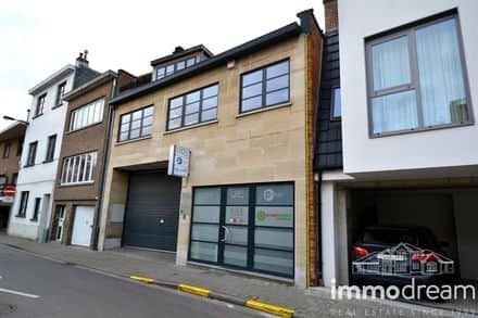Office or business<span>690</span>m² for rent Sint Lambrechts Woluwe