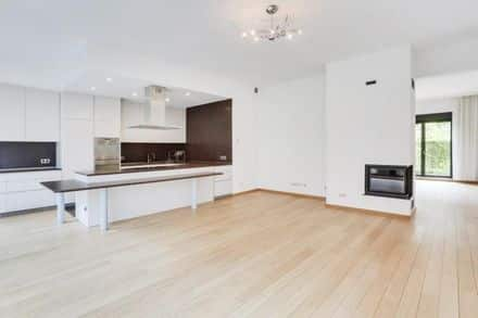 Duplex<span>215</span>m² for rent Brussels