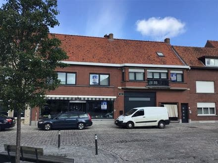 House<span>453</span>m² for rent