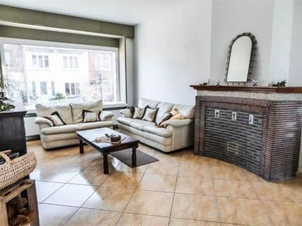 House<span>130</span>m² for rent