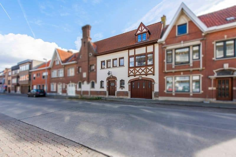 Castle for sale in Roeselare