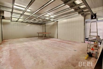 Warehouse<span>180</span>m² for rent