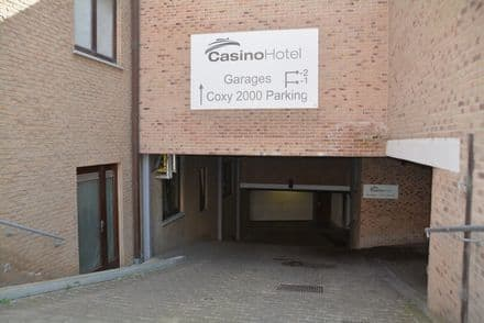 Parking space or garage<span>15</span>m² for rent Koksijde