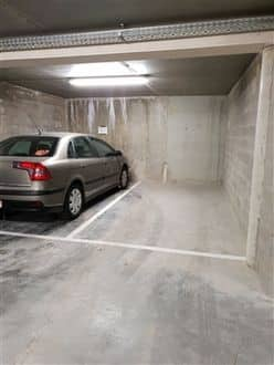 Parking space or garage for rent Braine L Alleud