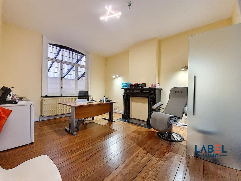 Office or business for rent in Huy