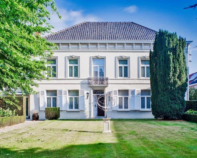 Mansion for sale in Pittem