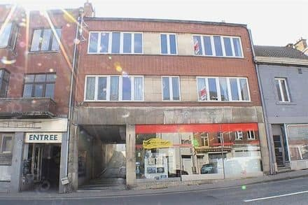 Business<span>170</span>m² for rent Huy