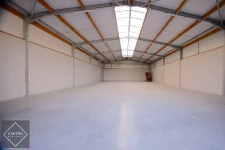 Industrial building<span>300</span>m² for rent
