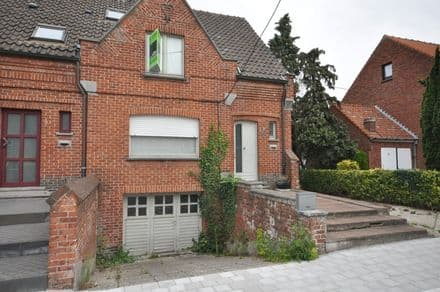 House<span>140</span>m² for rent
