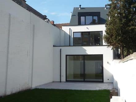 House<span>232</span>m² for rent