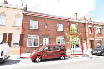 House<span>287</span>m² for rent