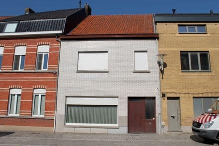 House<span>165</span>m² for rent Deinze