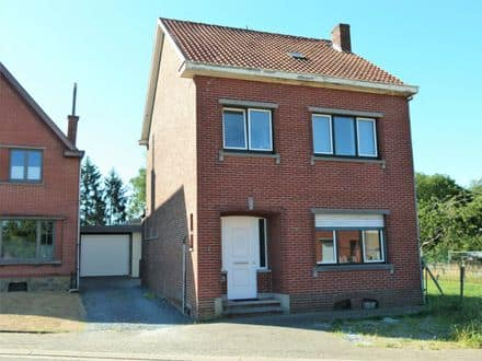House<span>249</span>m² for rent