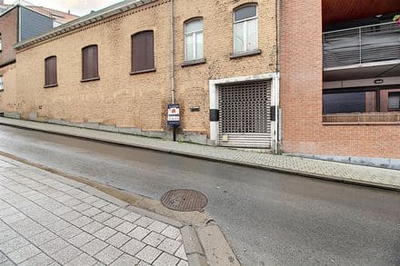 Warehouse<span>220</span>m² for rent Braine L Alleud