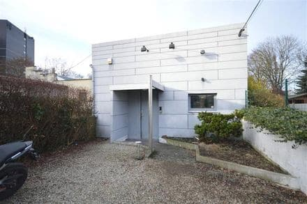 House<span>295</span>m² for rent Mons