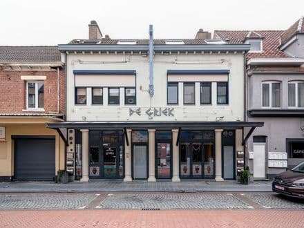 Investment property<span>750</span>m² for rent Maasmechelen