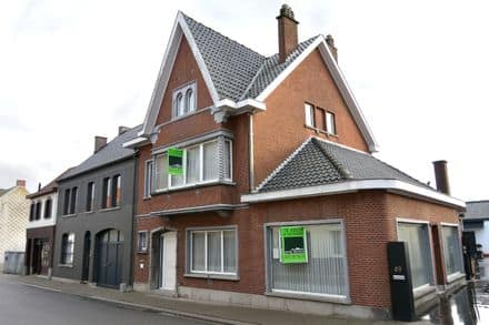 House<span>344</span>m² for rent