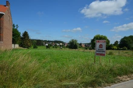 Building land<span>2200</span>m² for rent